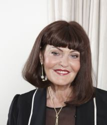 Hilary Devey 1