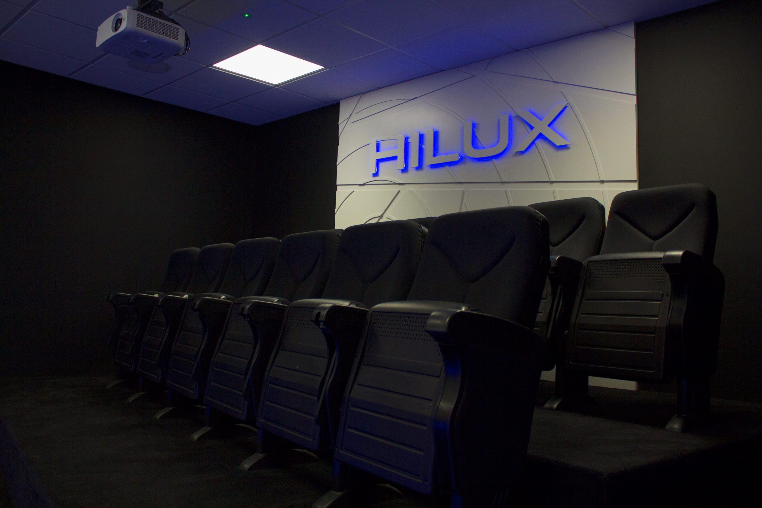 hilux_showroom_1