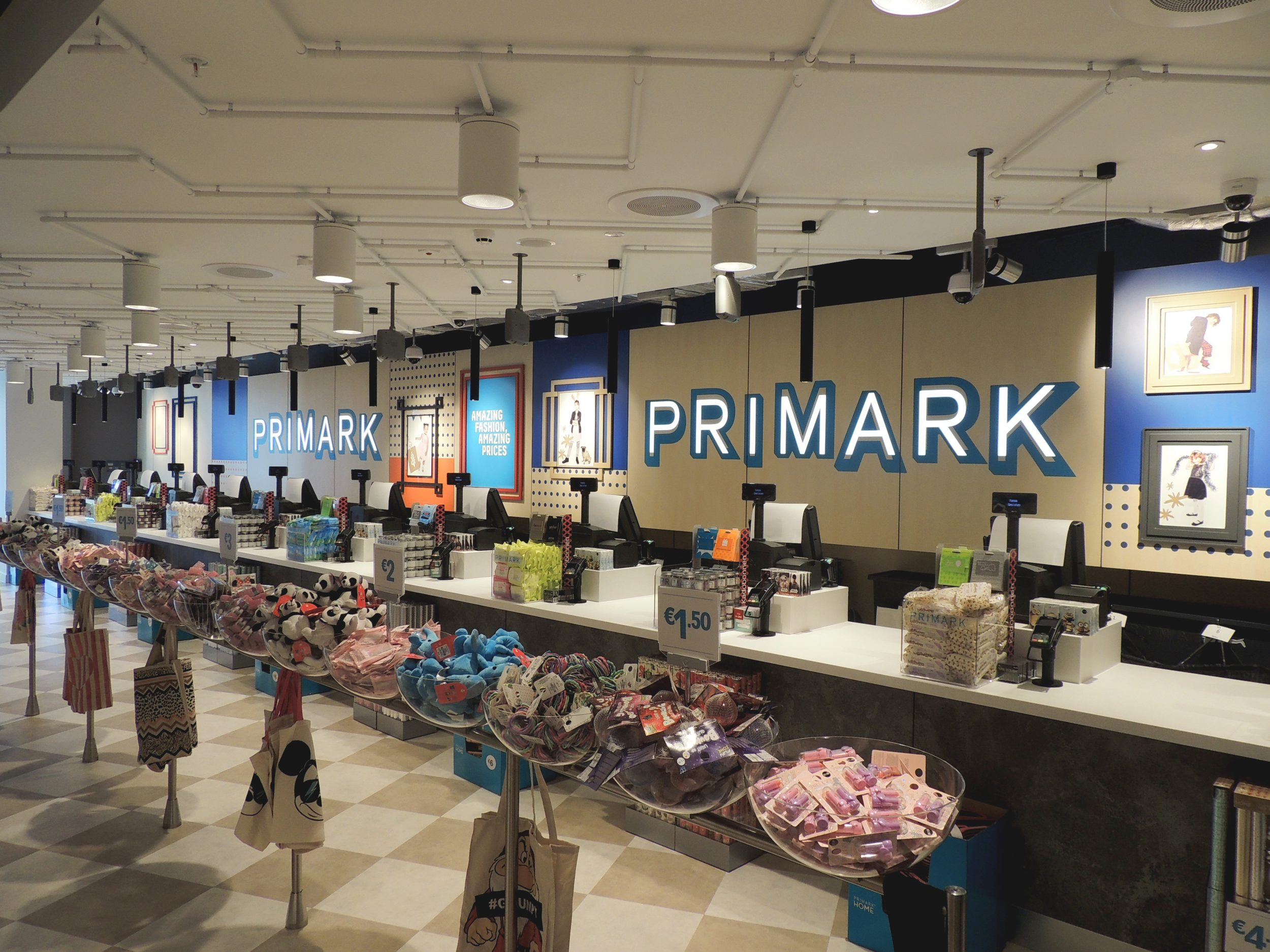 Reggiani leads the way with all led for amsterdam primark - Primark home espana ...
